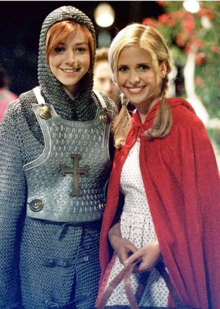 Buffy and Willow: lady best friends, for real. (Image Credit: FanPop)